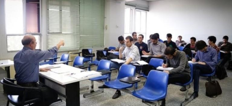 همکاری دانشگاه آزاد اسلامی با اساتید برجسته بازنشسته به عنوان «استاد وابسته»
